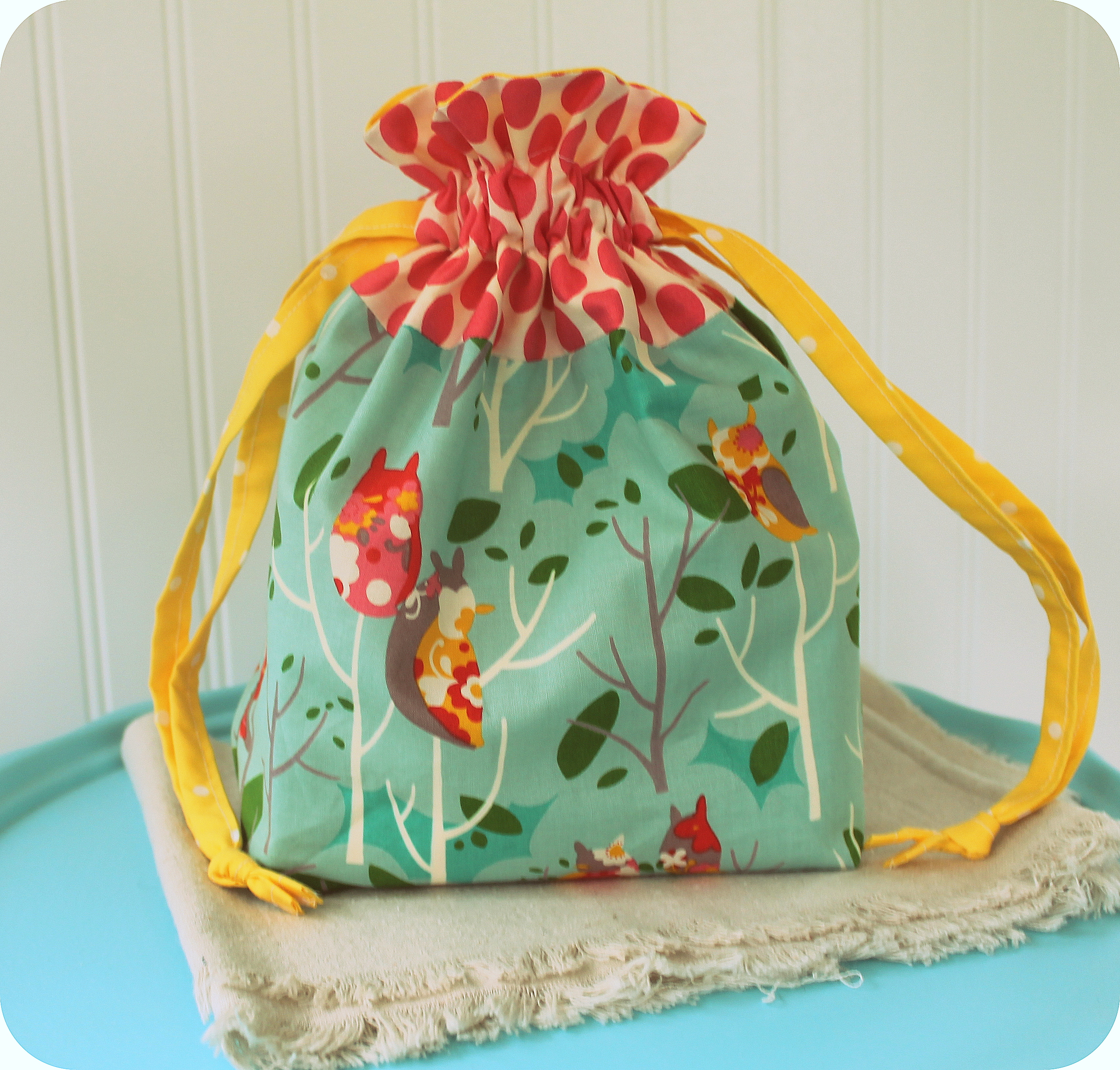 i made it: lined drawstring bag from in color order